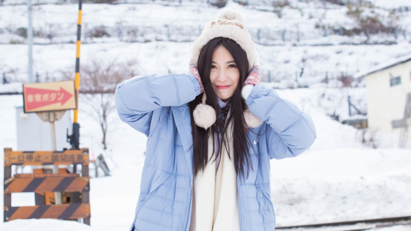 <许诺Sabrina冬季美女壁纸