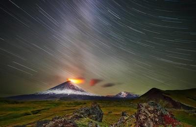 <攝影延時火山星空高清壁紙