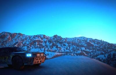 雪山夜晚汽车自驾高清壁纸
