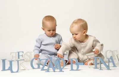 <baby可爱宝宝字母高清壁纸