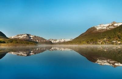 湖泊秀美高清壁纸