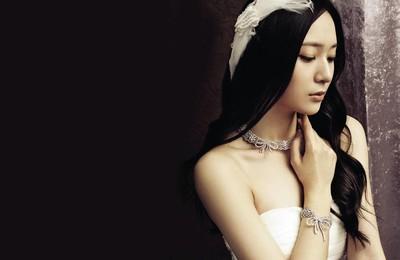 <郑氏姐妹郑秀妍郑秀晶美女明星宽屏高清壁纸