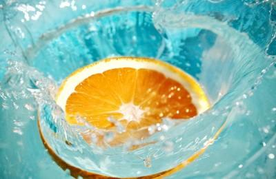 <小清新动感水果橙子高清壁纸