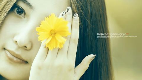 花間精靈美女