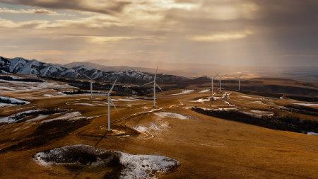 山上的風力渦輪機